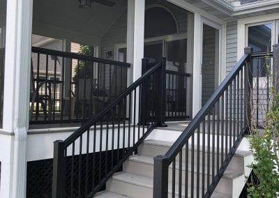 Gun Lake - Composite Stairs, Aluminum Rails